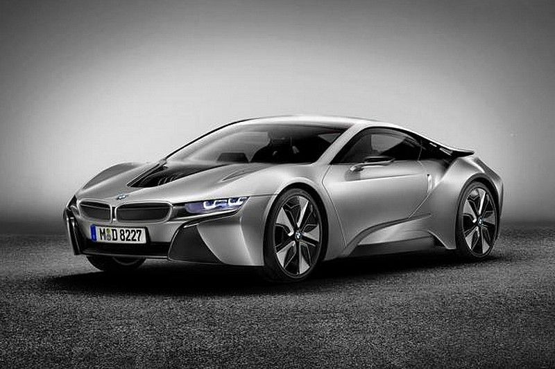 BMW i8 production version rendered