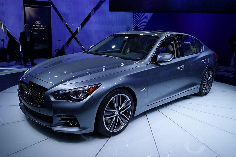 2014 Infiniti Q50 unveiled in Detroit