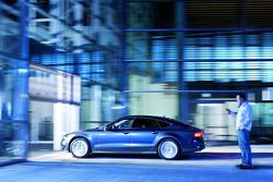 Stefan Stumper sends a smartphone command to Audi A7 Sportback to park itself 01.03.2012