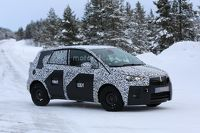 2017 - [Opel] Crossland X [P1MO] - Page 6 Opel-meriva-spy-photo