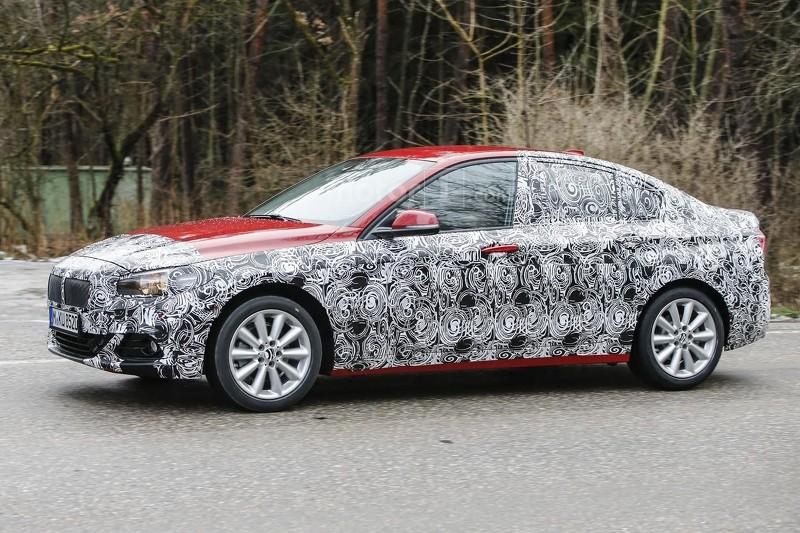 2016 - [BMW] Série 1 Sedan [F52] - Page 6 Bmw-1-series-sedan-spy-photo
